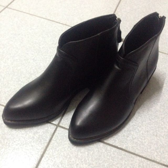 V口 質感 黑靴