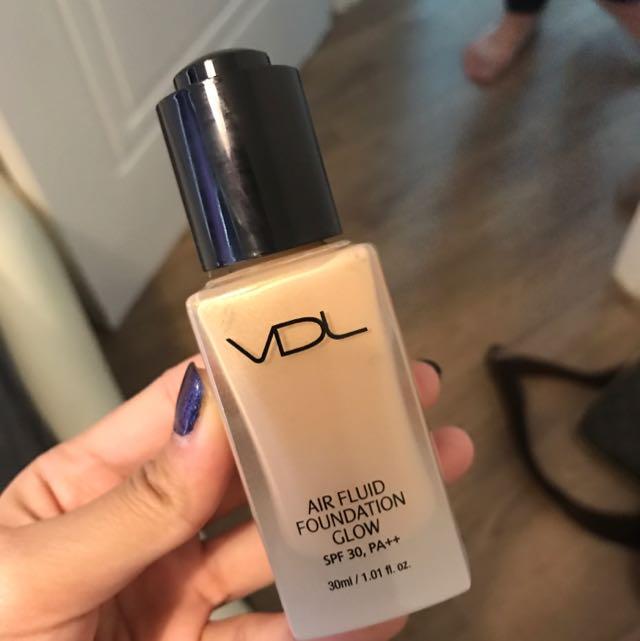 VDL粉底液(結合打亮閃光)