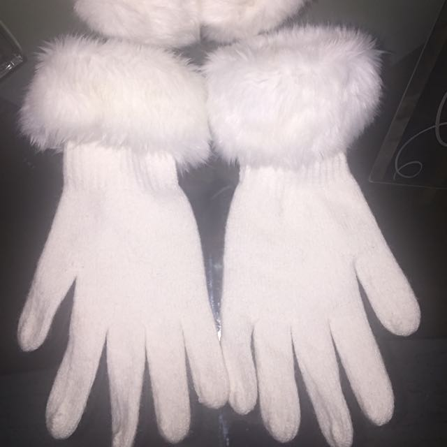 White Regal Gloves And Ear Muffs