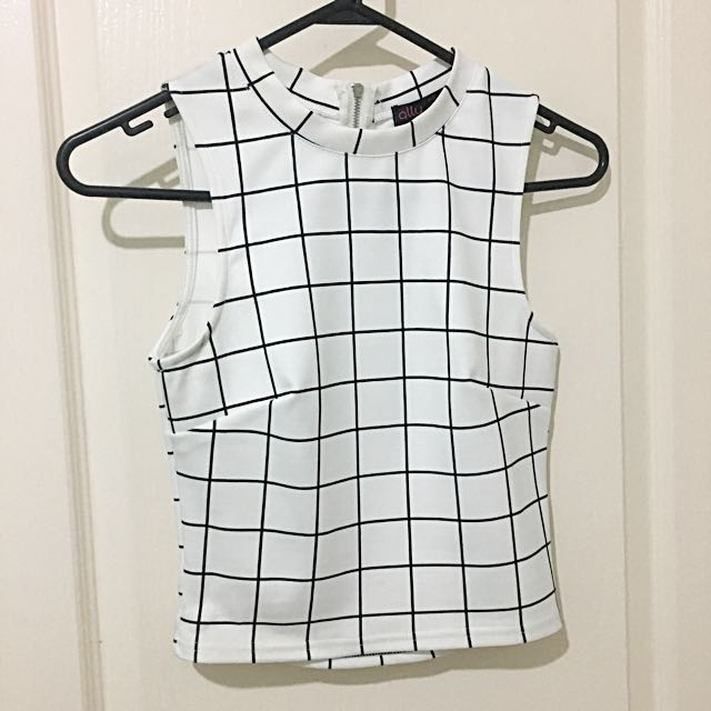 White/black Sleeveless Top