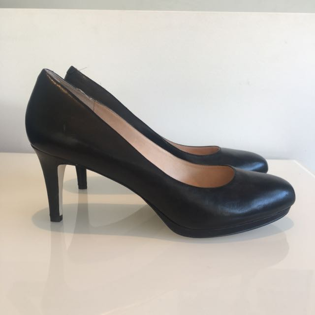 WITTNER Leather Heels (Size 40) RRP$160