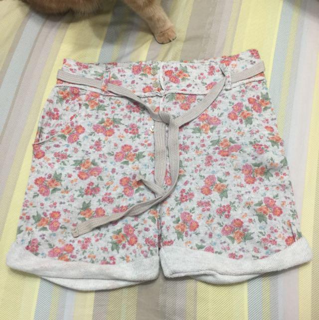 《只想清衣櫃》ZARA古典花卉棉質短褲