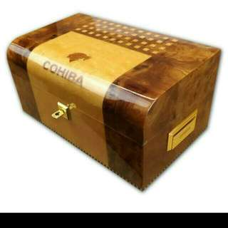 Cohiba Maduro 5 Humidor Box - 2009	(Limited Edition)
