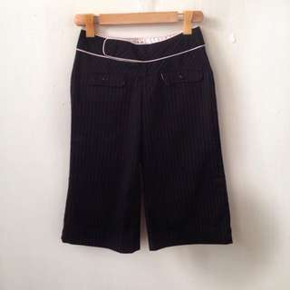 Guess Pinstriped Cropped Pants