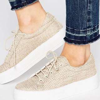 Asos size 8 textured Flat form Shoes