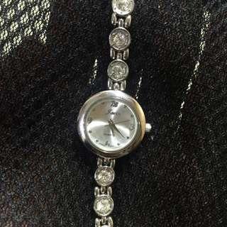 J.win 水鑽錶
