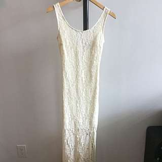 FOREVER 21: Creme Floral Lace Dress