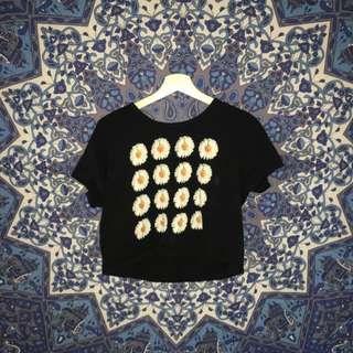 daisy cropped t shirt