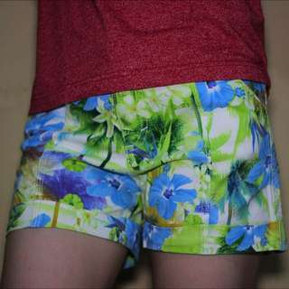 Flower Short Pants