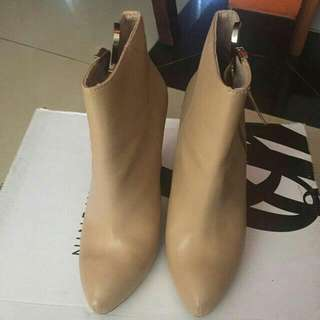 Nude Stradivarius Boots 36