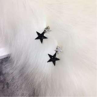 韓版氣質簡約鑲鑽五角星星黑白混搭耳環