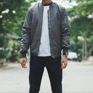Bomber Jacket / Bomber Jaket / Jaket Bomber / Bomber Grey / Bomber Import / Sweater / Varsity Jacket