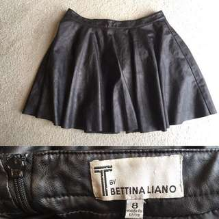 Bettina Liano Size 8 Fake Leather Skirt