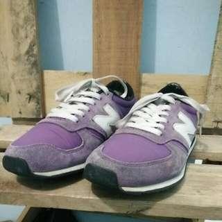 Sepatu New Balance Size 40