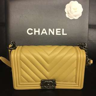 Chanel Le Boy Chevron Flap New Medium