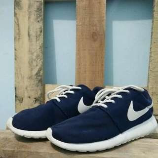 Sepatu Nike Size 38