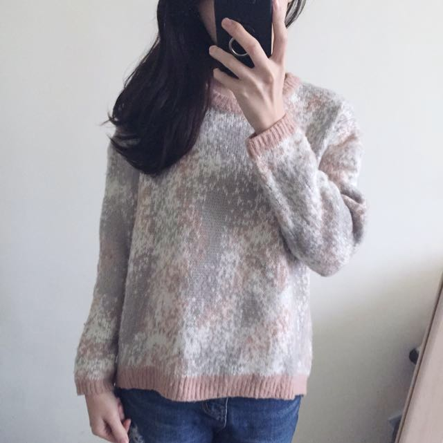粉灰混色毛衣