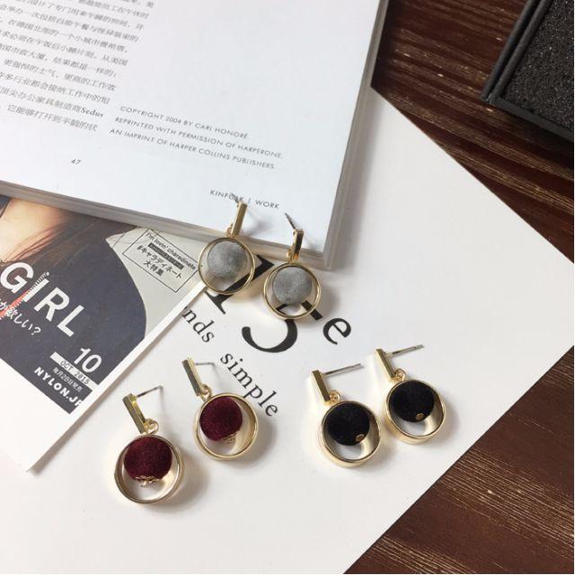 韓版氣質毛絨小球金屬鏤空圓形耳環(灰色/酒紅色)