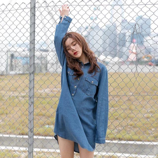 韓系寬鬆森女風牛仔洋裝,圖二針織外套也有販售喔