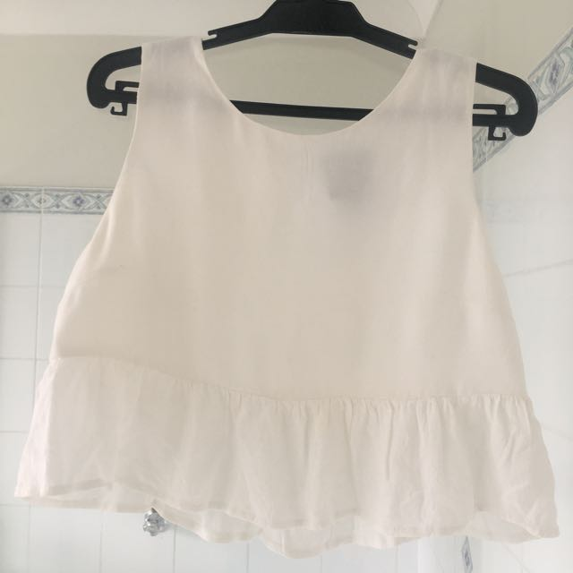 Alice in the Eve White Crop Tank Top
