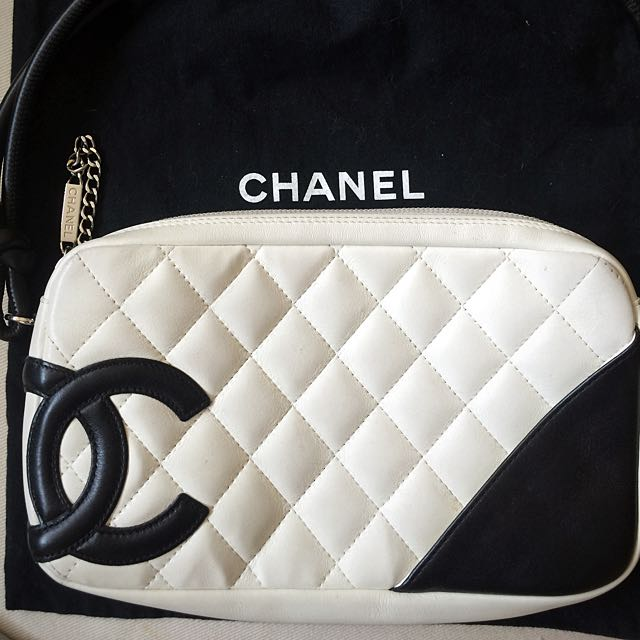Authentic CHANEL Ligne Cambon Pochette