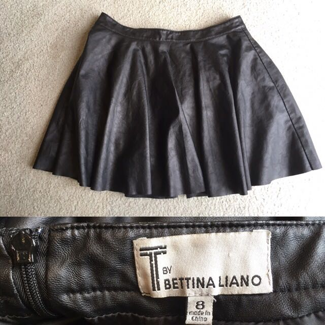 Bettina Liano Size 8 Fake Leather Skirt