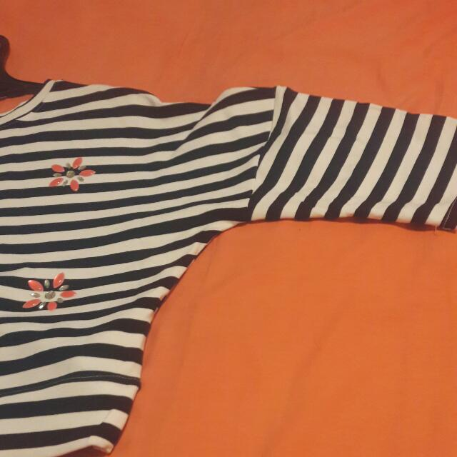 Black And White Stripes Top With Flower Ensembles