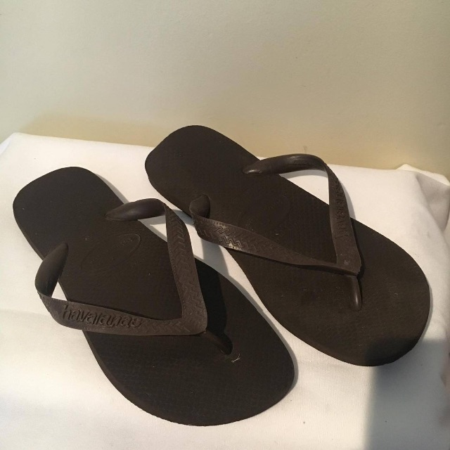 Brown Havaianas Thongs