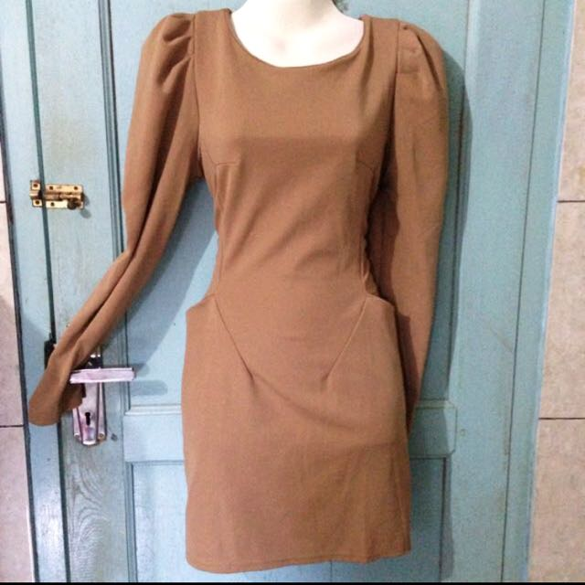 brown longsleeve dress