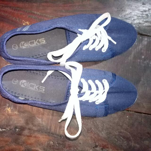 Dark Blue Kicks