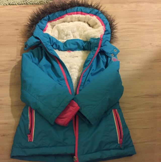 Esprit超保暖大衣