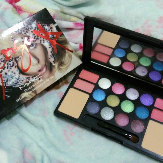 Eyeshadow Palette MAC Lady Gaga
