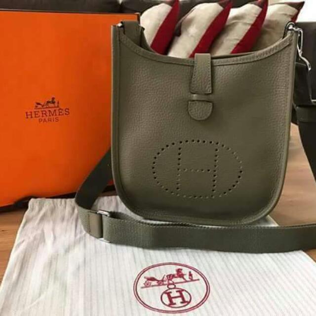 Hermés Sling Bag