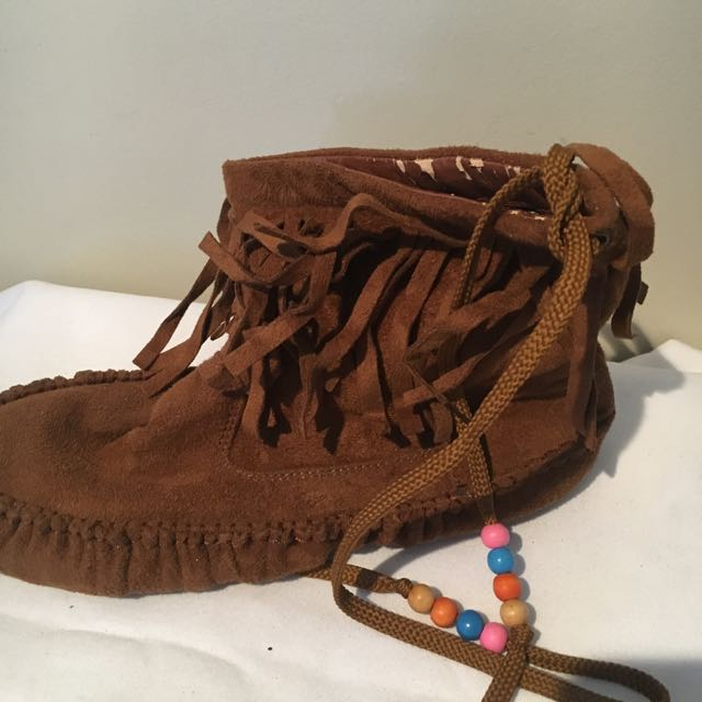 Mocossan Type Brown Flat Booties