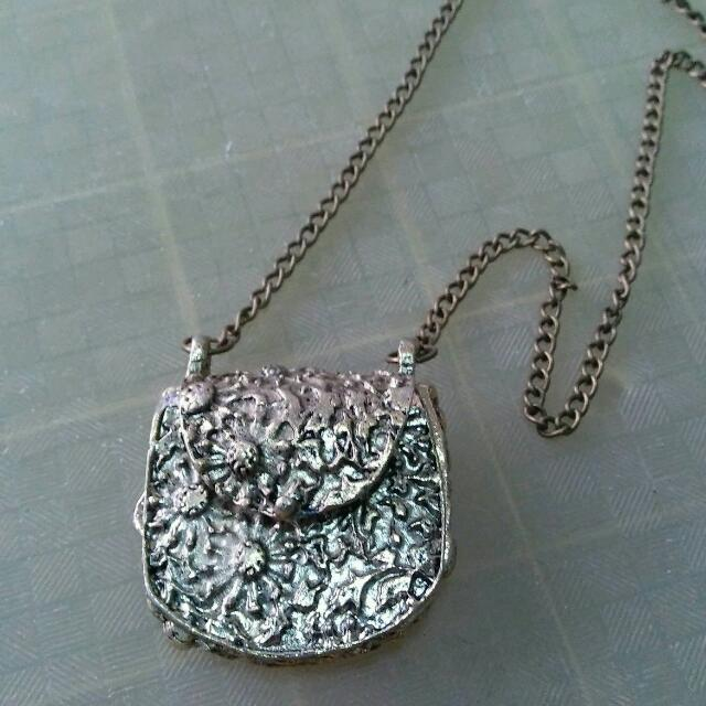 Necklace With Bag Pendant
