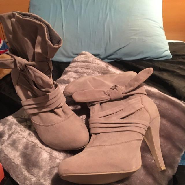 Novo Shortcut Heeled Boots