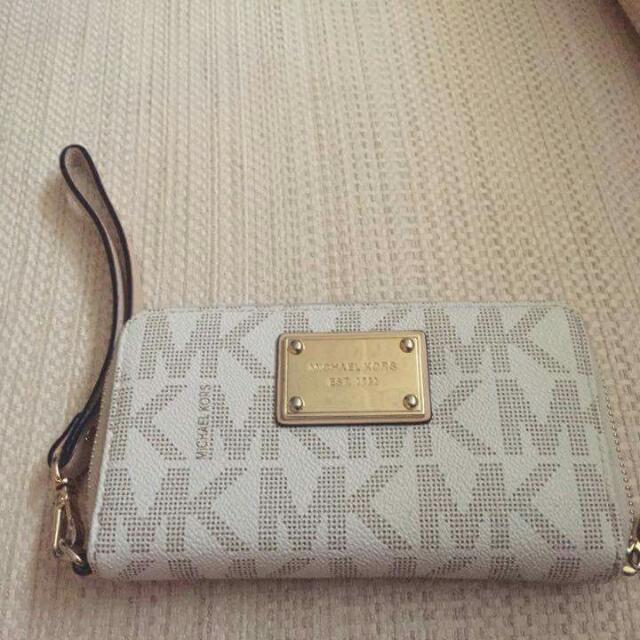 PRELOVED MICHAEL KORS JET SET PHONE WALLET VANILLA