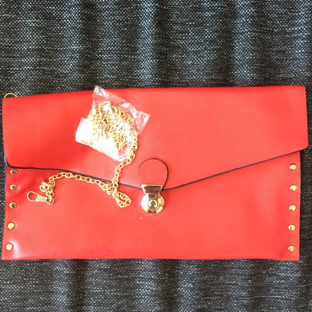 Red Clutch With Attachable Metal String