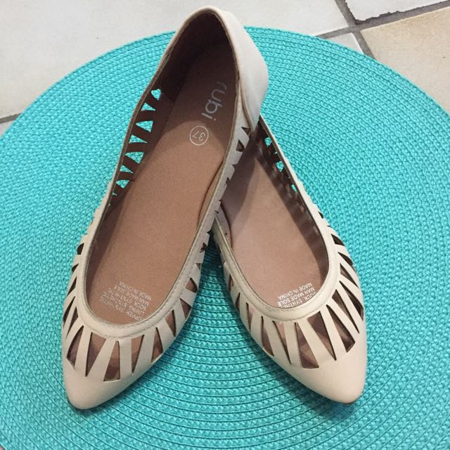 Rubi Flats with Cut Outs Design (Size 6)