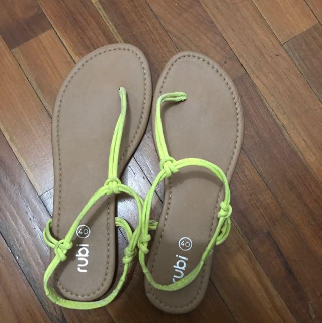 sandal rubi