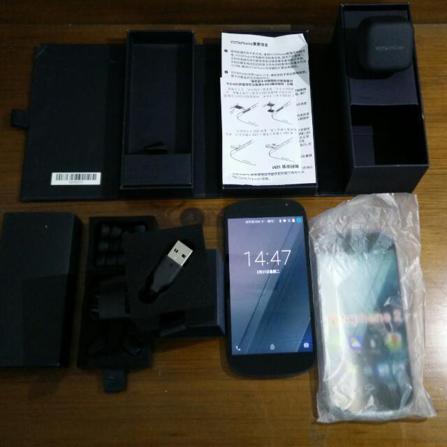 Yotaphone 2 LTE