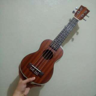 Ukulele *repriced* (meet-up in Los Baños, Laguna only thank you)