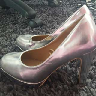 Size 38 Ruby Shoes
