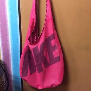 Nike Womens Graphic Reversible Tote Bag
