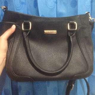 Palomino Sling Bag (black)