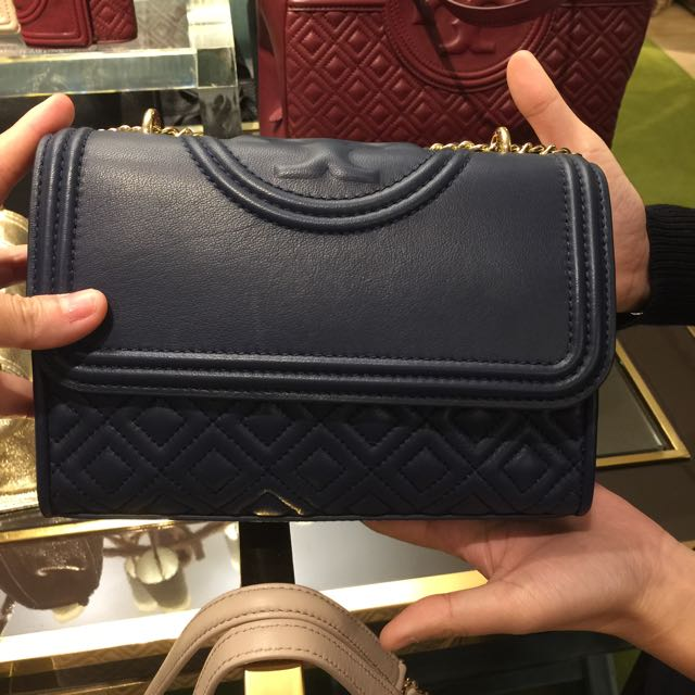 c920d91743a BN Authentic Tory Burch Fleming Small Convertible Shoulder Bag New ...