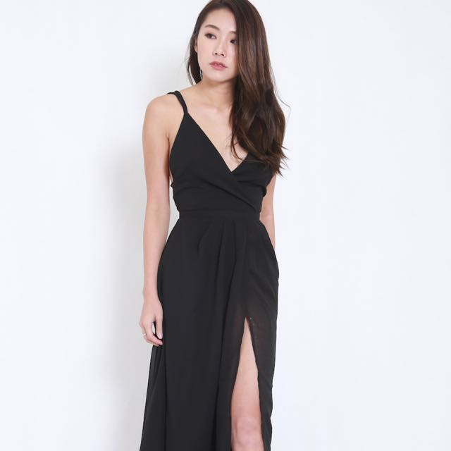 d6f5a3ffca Carrislabelle Cross Back Overlap Maxi Dress, Women's Fashion ...