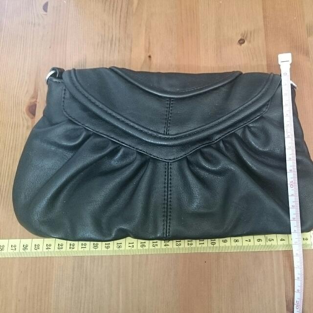 COLETTE black hand purse