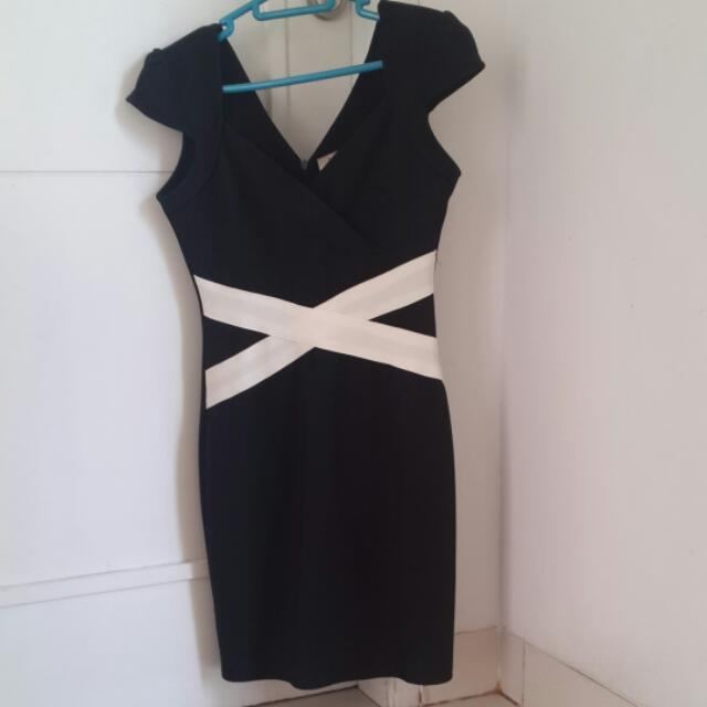 Dress Pesta Body Fit. Black White