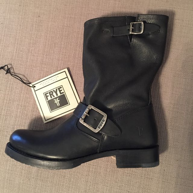 Frye Veronica Boots Size 7